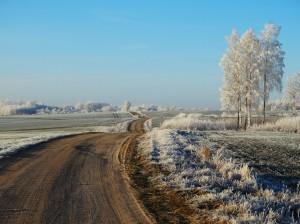 Sarma, ceļš un lauki